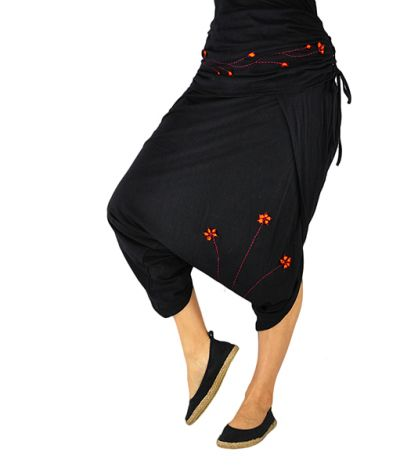 Cropped Harem Pants Geschickt black with flower embroidery