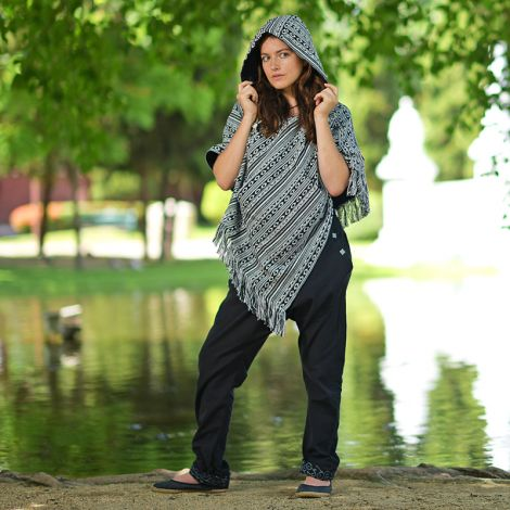 Reversible Poncho Relaxed black-and-white